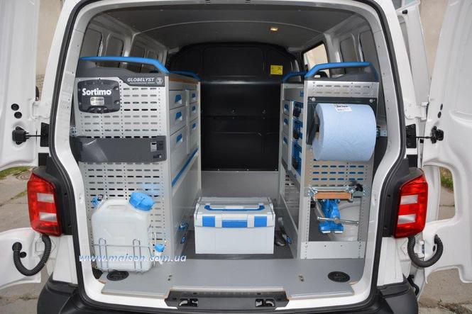 стелаж фургона автомобіля сервісної служби